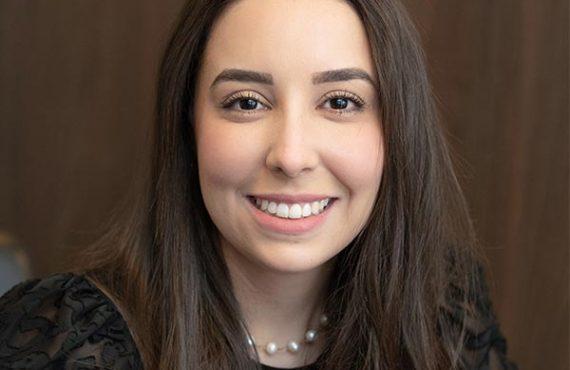 Dra. Mariana Alves Melo de Sousa